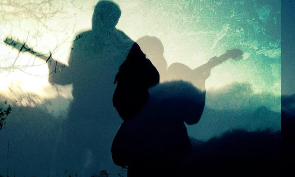 the caves WEB ミュージシャン アーティスト  兵庫 大阪 加古川 野外ライブ 音楽 アコースティック
